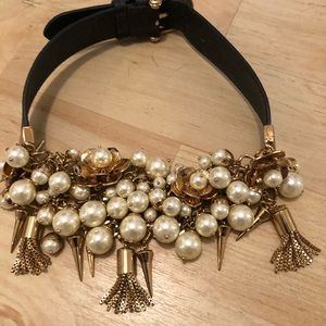 Choker with pearls and  gold chains